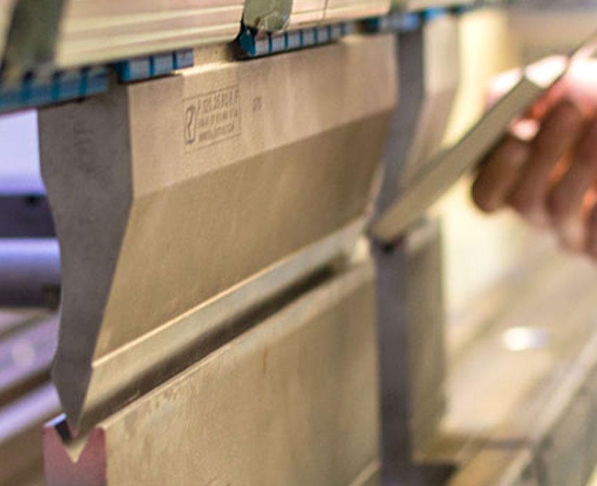 <strong>HPH Sörries</strong> bietet ein umfassendes Expertenwissen rund um die Metallbearbeitung und Lasertechnik.
